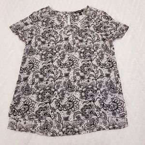 Express floral black and white blouse sz S